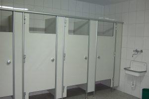 WC-Trennwände offen